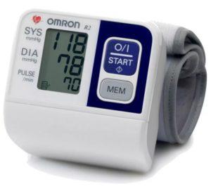 Omron R2 – лучший автоматический тонометр на запястье